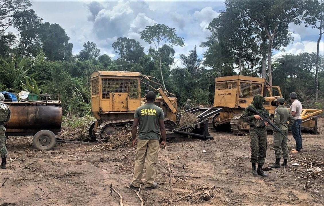 Operação flagra desmatamento ilegal e apreende 8 tratores em Confresa